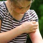 Le traitement de leczéma chez les enfants sur les pieds